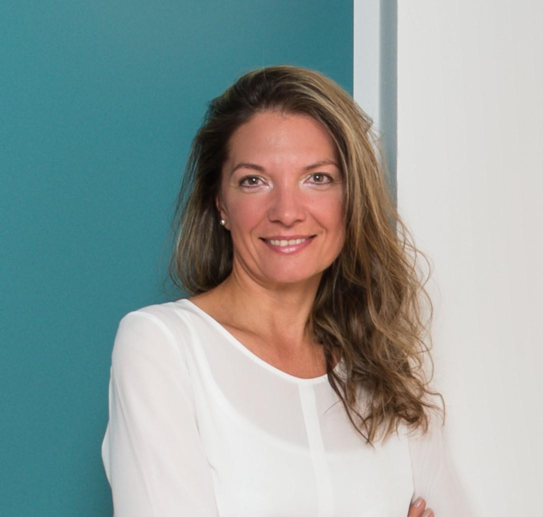 Angelika Henker, Strategische Finanzplanerin und Bankkauffrau